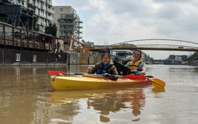 Cleaning the Brussels Canal on Kayaks